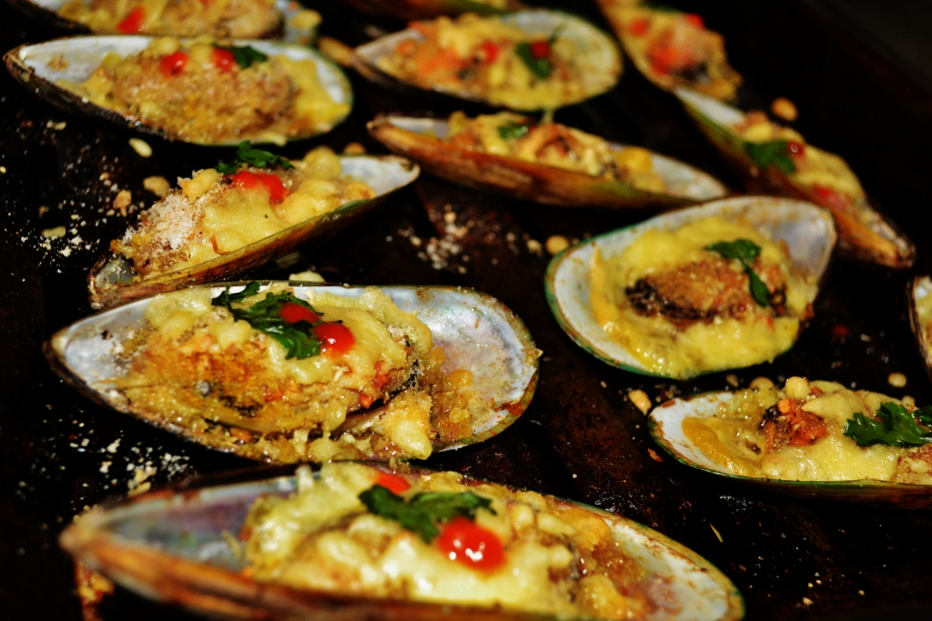Baked MUssels casino